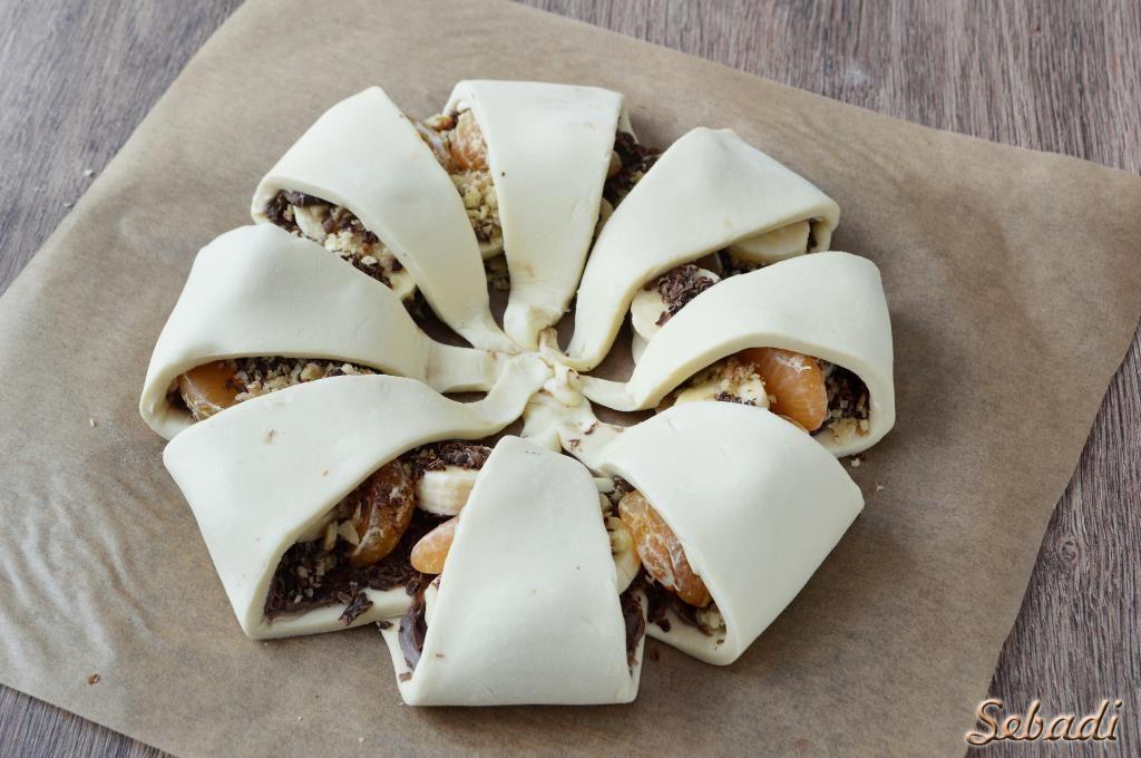 пирог с фруктами и шоколадом