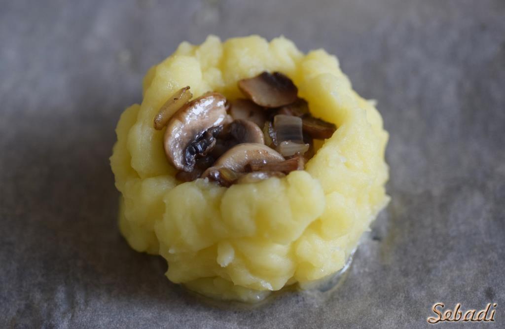 Картофельные гнёзда с грибами